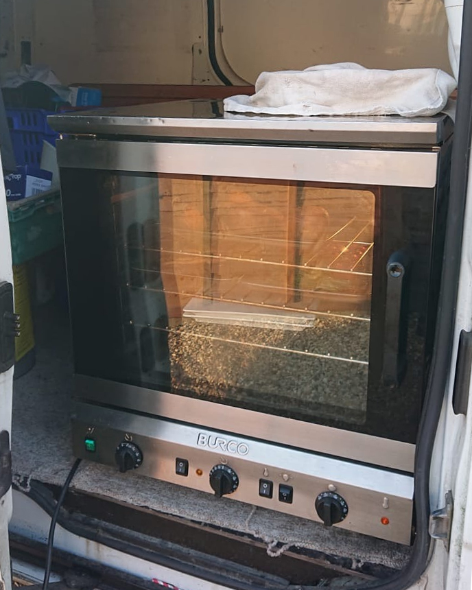 Covid Secure Oven - cooking on your driveway!
